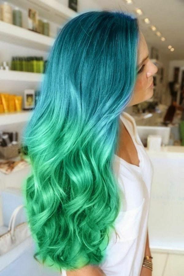 effektvolle-Frisuren-für-Frauen-Ombre-Grün-Blau