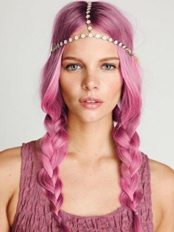 effektvolle-Frisuren-für-Frauen-Rosa-Farbe