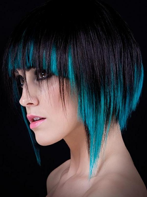 effektvolle-Frisuren-für-Frauen-blaues-Haar