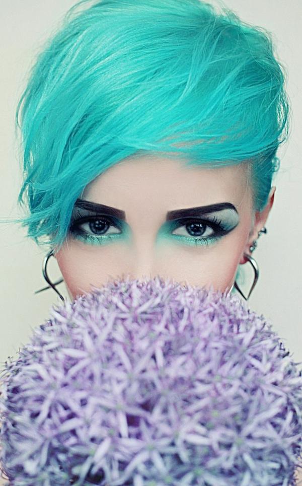 effektvolle-Frisuren-für-Frauen-tolle-Farbe