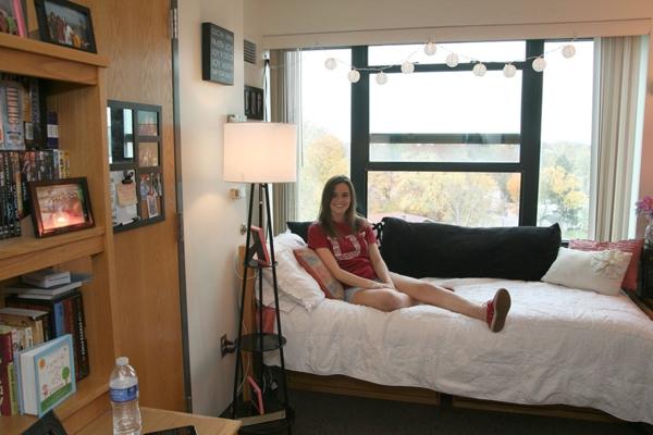 enges schlafzimmer einrichten. Black Bedroom Furniture Sets. Home Design Ideas