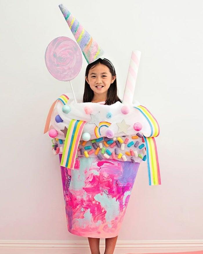 einhorn süßigkeiten milchschake kreative bastelideen halloween kostüme für kinder junges mädchen coole verkleidungen inspiration
