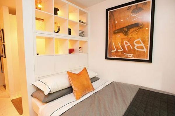einzimmerwohnung-in-orange-farbe
