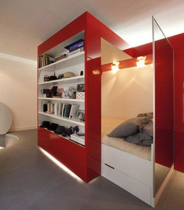 einzimmerwohnung-mit-roten-schränken
