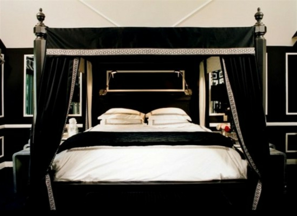 elegantes-bett-im-gothic-schlafzimmer