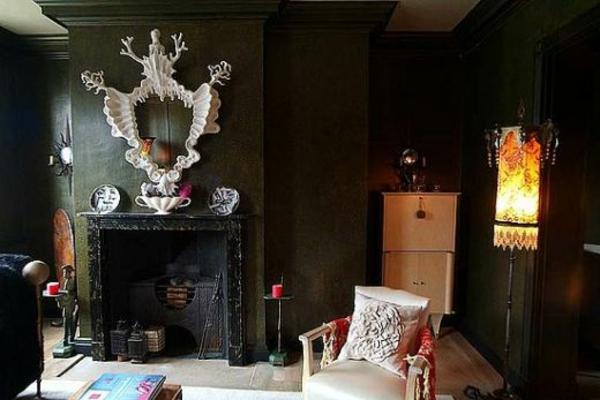 elegantes-gothic-wohnzimmer-dunkel