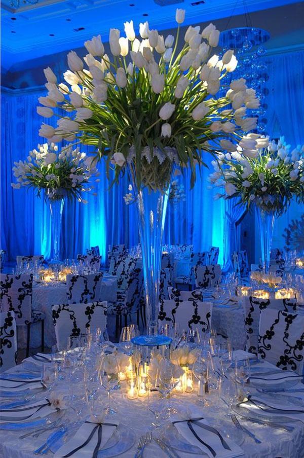 erstaunliche-Tischdeko-Tulpen-in-Weiß