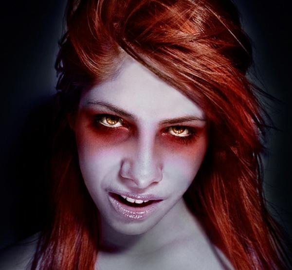 extravagante-kontaktlinsen-für-halloween
