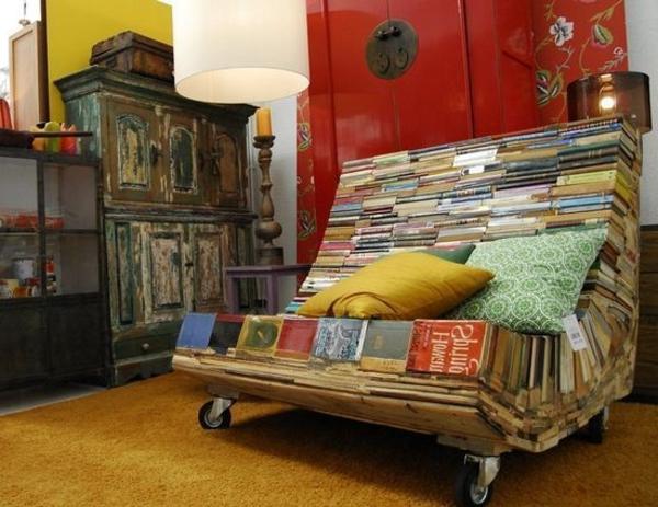 extravagante-mode-bei-der-einrichtung-schönes-sofa-aus-büchern