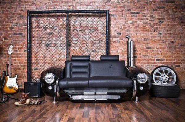 extravagante-mode-bei-der-einrichtung-sofa-wie-ein-auto-erscheinen