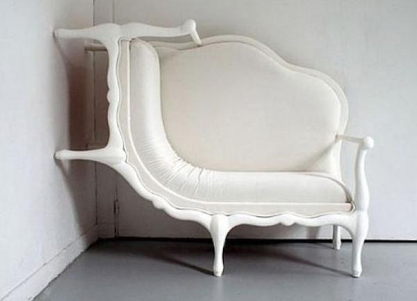 extravagante-mode-bei-der-einrichtung-weißes-sofa