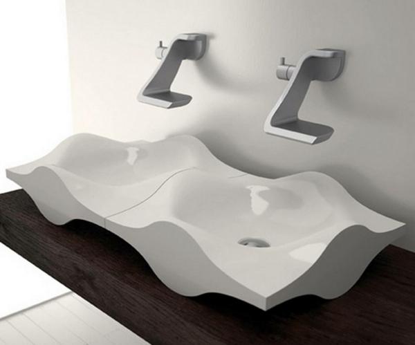 extravagantes-weißes-designer-waschbecken - sehr interessante form