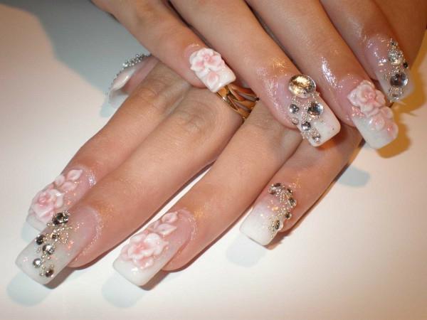 exzentrisches-Fingernägel-Design-Blumen