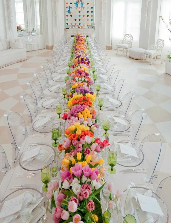 fantastische-Tischdekoration-mit-Tulpen
