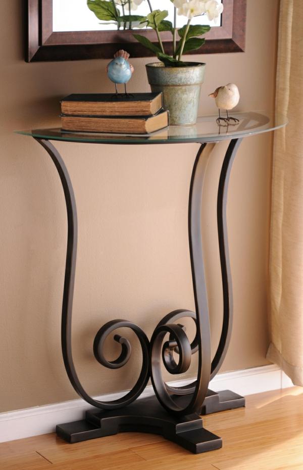 fantastische-Tische- in-halbrunder-Form-Glas-Holz