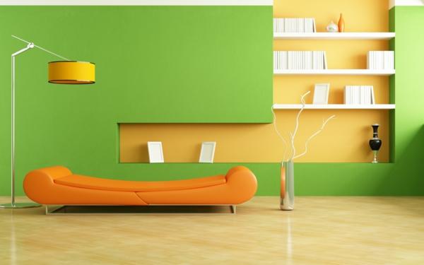 fantastische-Wand-.in-Grüntönen-Sofa-in-Orange