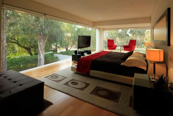 farbgestaltung-für-schlafzimmer-gläserne-wände