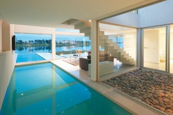 ferienwohnung-kaufen-weiße-ausstattung-mit-pool