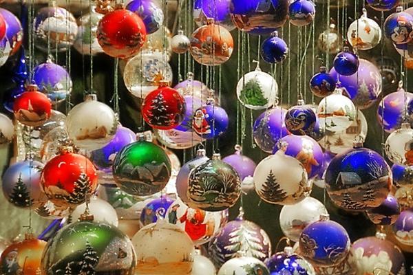 hängende Bälle für Weihnachtsbaum
