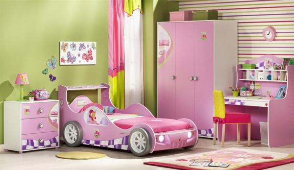 ganz-tolles-Schlafzimmer-in-Rosa