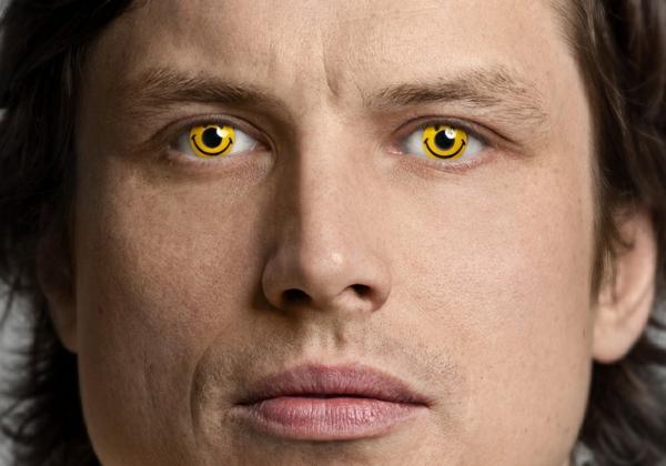 gelbe-kontaktlinsen-für-halloween