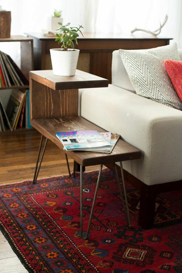 gemütliches-Wohnzimmer-Holz-Beistelltisch-Ideen