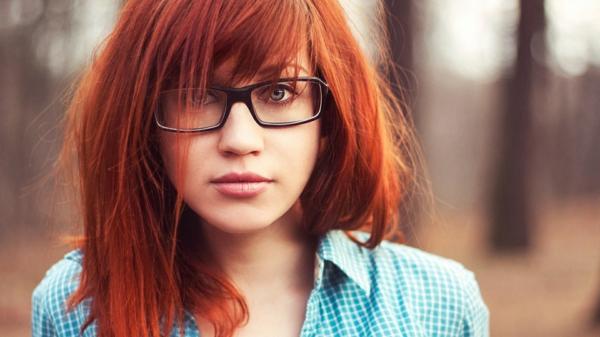 gerades-Haar-effektvolle-Frisuren-für-Frauen