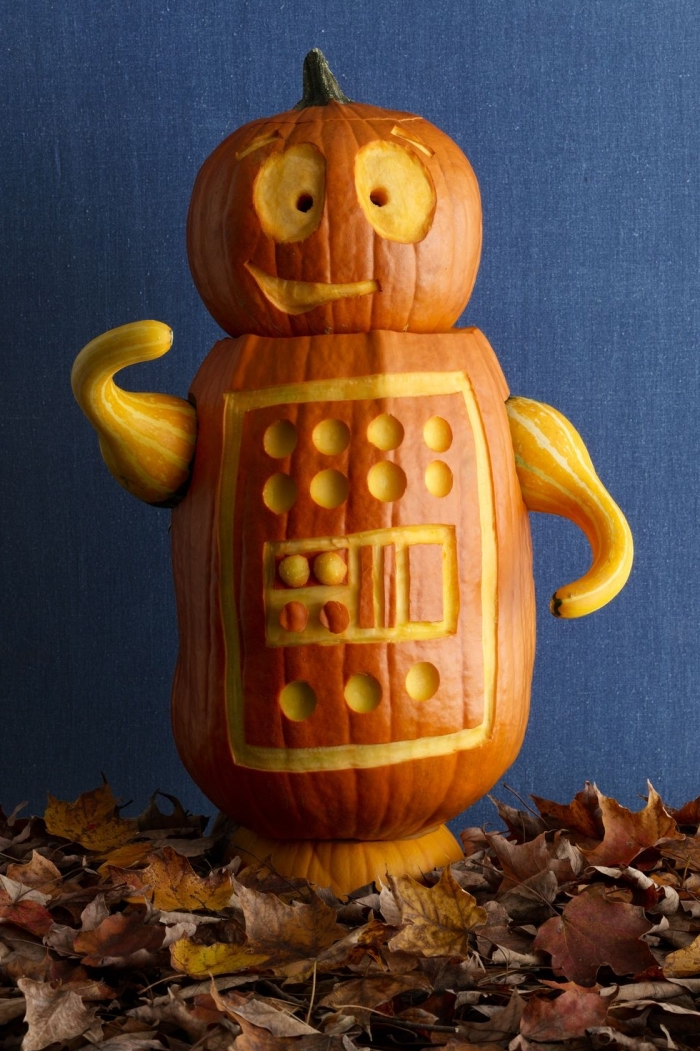 geschnitzter kürbis, halloween deko mit kürbissen, kürbisdeko ideen