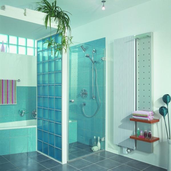 glasbausteine-für-dusche-interessante-blaue-farbe