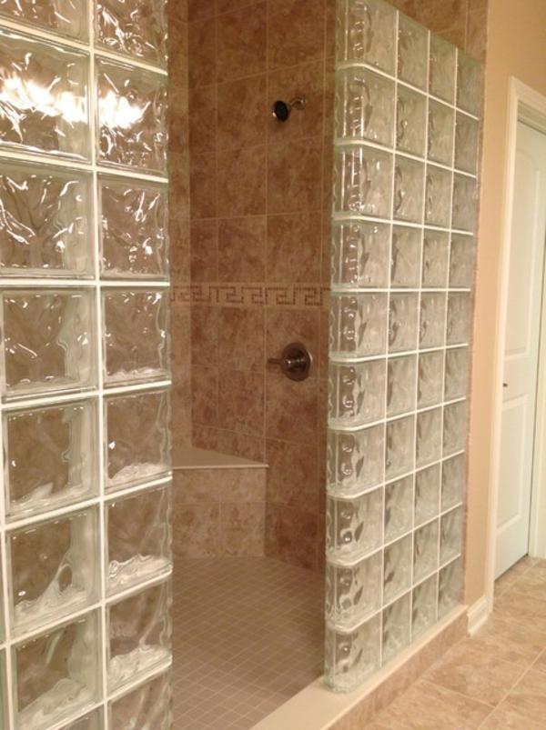 glasbausteine-für-dusche-schönes-und-interessantes-aussehen