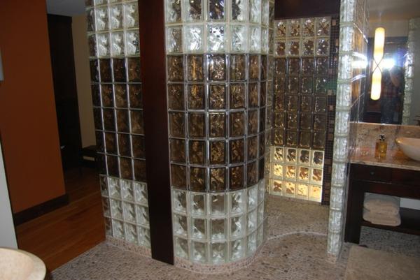 glasbausteine-für-dusche-sehr-schöne-farben