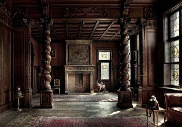 gothic-wohnzimmer-mit-säulen
