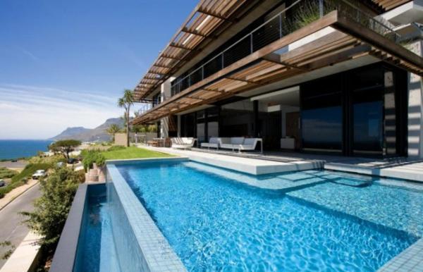 großartiges-design-vom-fertig schwimmbecken