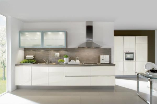 häcker-küchen-weiß-und-ultramodern