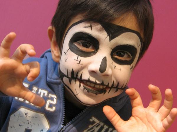 halloween-gesichter-ein-kind
