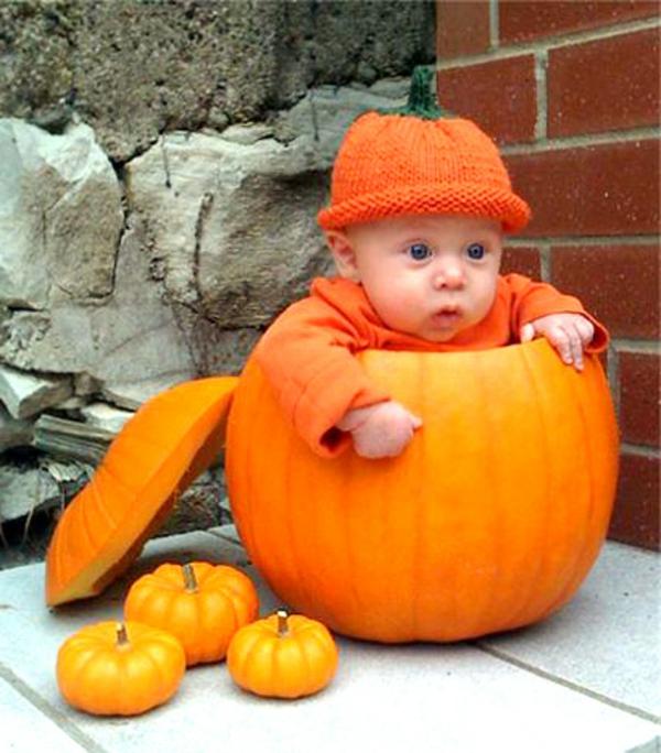 halloween-kostüme-für-kinder-baby-im-kürbis