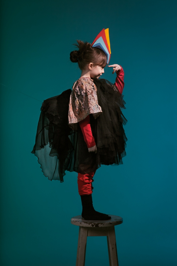 halloween-kostüme-für-kinder-ein-süßes-mädchen