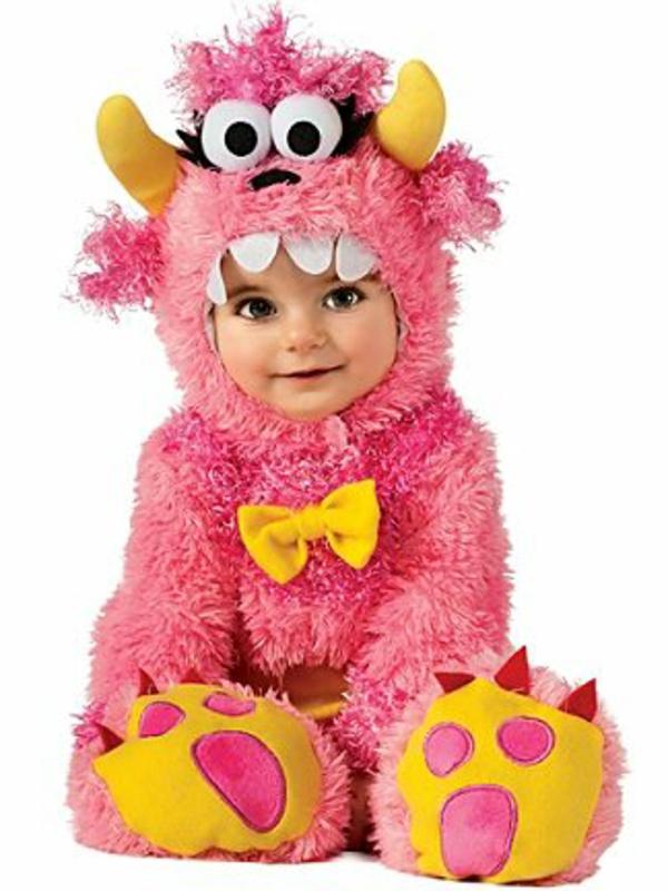 halloween-kostüme-für-kinder-rosige-farbe-kleines-kind