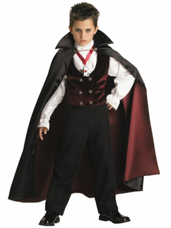 halloween-kostüme-für-kinder-schrecklicher-vampir