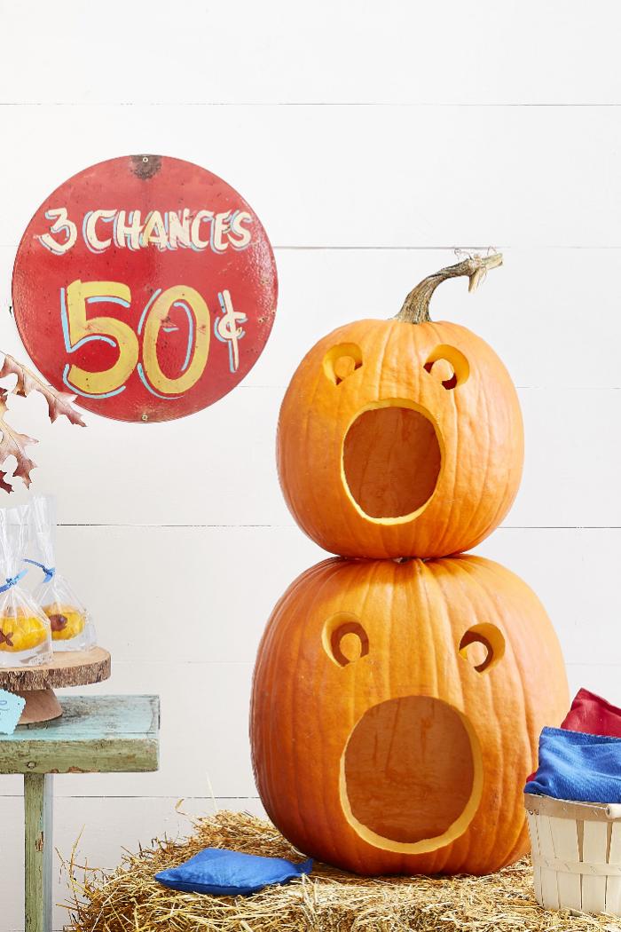 halloween kürbis gesichter, einfache anleitung, große munde, kürbisgesichter schnitzen
