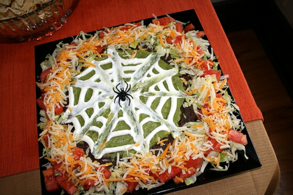 halloween-party-ideen-eine-torte