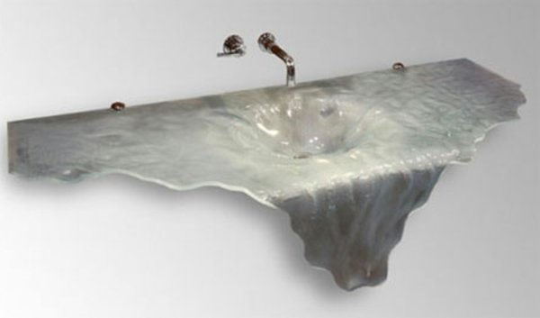 wunderschönes waschbecken mit einem extravaganten design