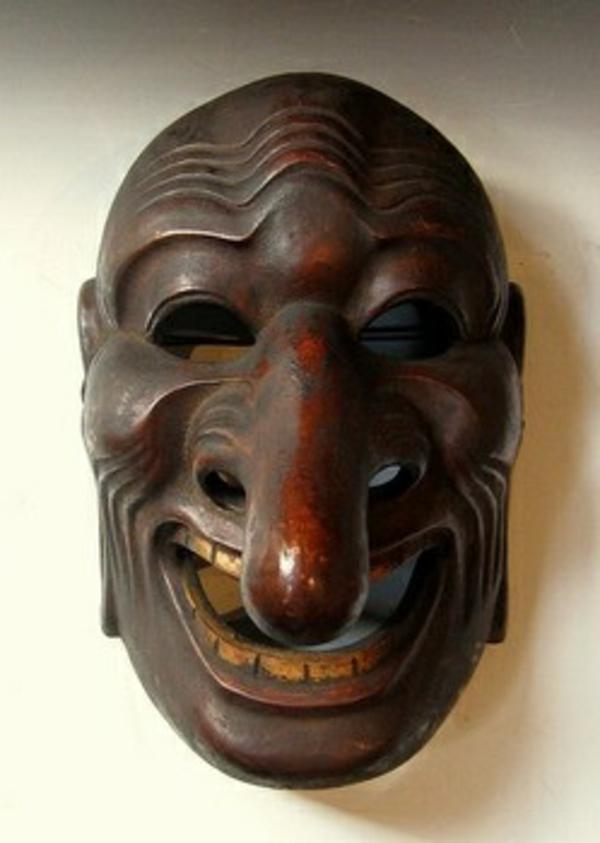 interessante-afrikanische-masken