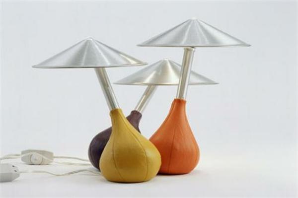 interessante.-farbige-Tischleuchten-Design-Idee