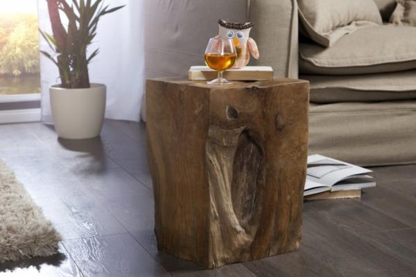 Interessanter  Beistelltisch Aus Holz Idee
