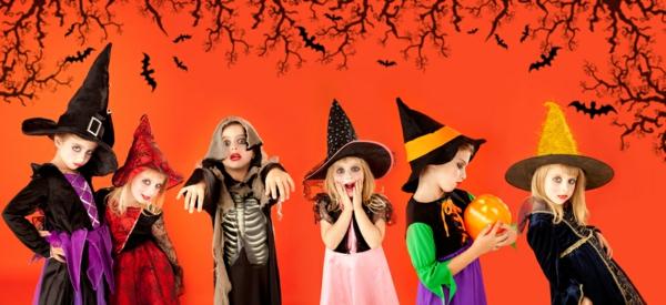 kinder-in-super-halloween-kostümen