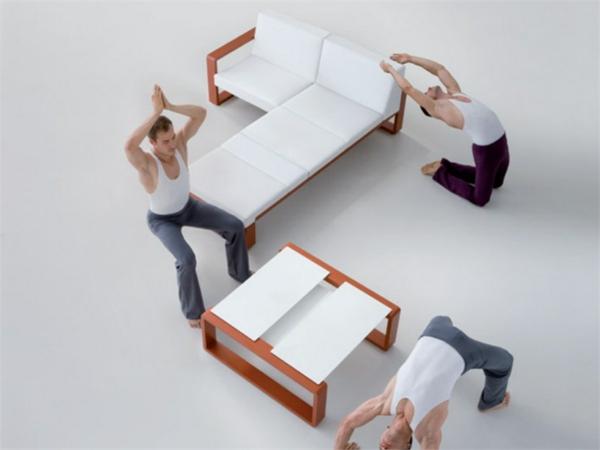 lounge-möbel-outdoor-drei-männer
