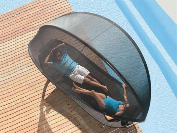 lounge-möbel-outdoor-liegestuhl-foto-von-oben-gemacht