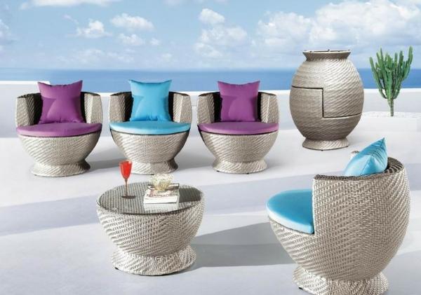 lounge-möbel-outdoor-luxuriöse-liegestühle