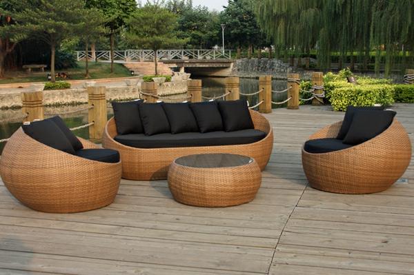 lounge-möbel-outdoor-sofa-mit-sesseln